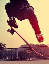 Daniel ist nicht in der Lage, das Skateboard mit seinem eigenen Geld zu bezahlen.