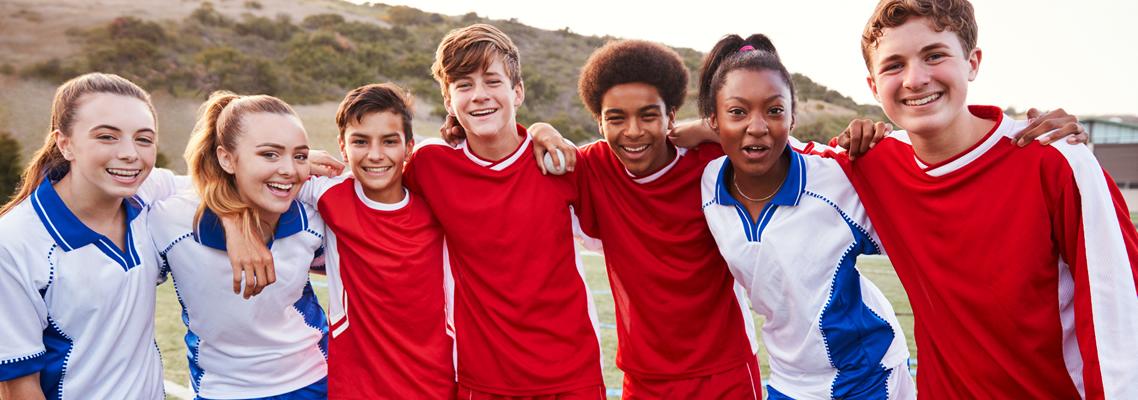 Jugendliche, ein Team, eine Mannschaft