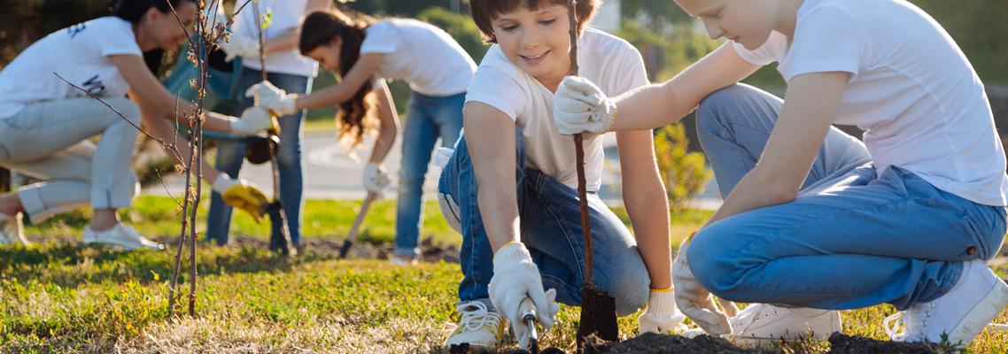 Jugendliche arbeiten für die Umwelt